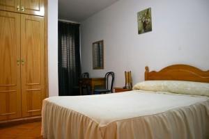 Habitación del hostal en Marbella